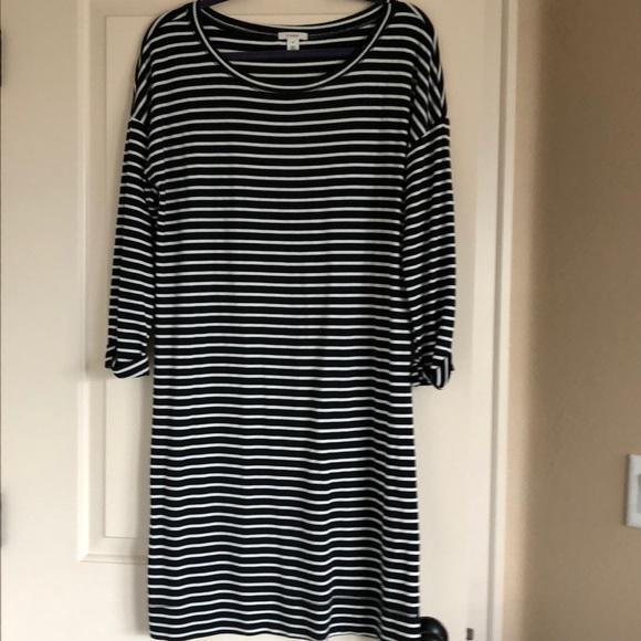 8892bb4480b Caslon Dresses   Skirts - Euc Caslon t shirt dress